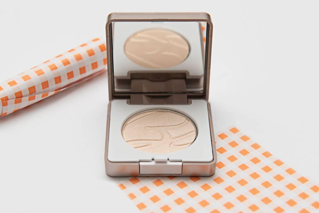 Read more about the article Bionike Defence Color Silky Touch: ombretto compatto dalla texture setosa, finish luminoso e resa impeccabile